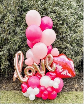 Picture of 1 MARQUEE - ANY 2 SUPERSHAPE ARRANGEMENT - VALENTINE