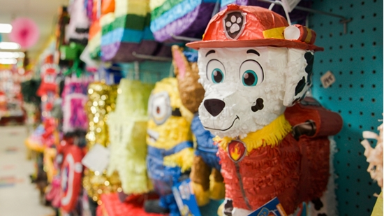 Picture of 100's of PINATA CHOICES