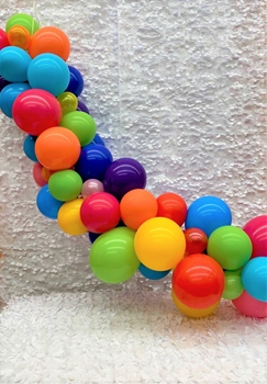 """Picture of GARLANDS - 6' BASIC  (20) 5"""" and (30) 11"""""""